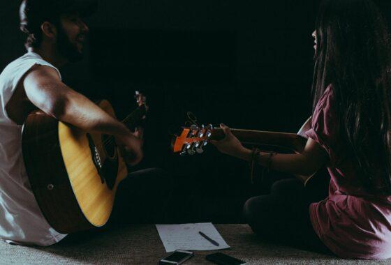 Zwei Gitarristen